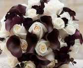 chocolate-callas-and-cream-roses-handtie