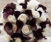 chocolate-callas-and-cream-roses-handtie