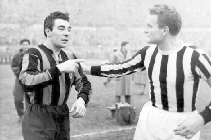 Serie_A_1953-54_-_Juventus_vs_Inter_-_Benito_Lorenzi_e_Giampiero_Boniperti