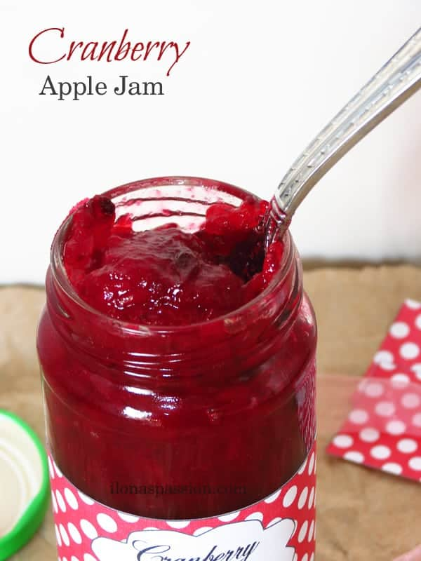 Cranberry Apple Jam & Free Printable Jar Labels by ilonaspassion.com