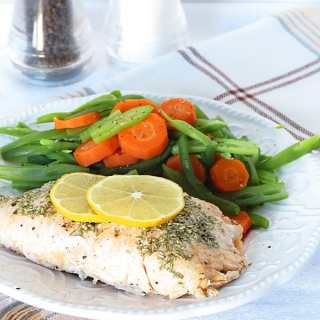 Easy Lemon Rosemary Salmon by ilonaspassion.com