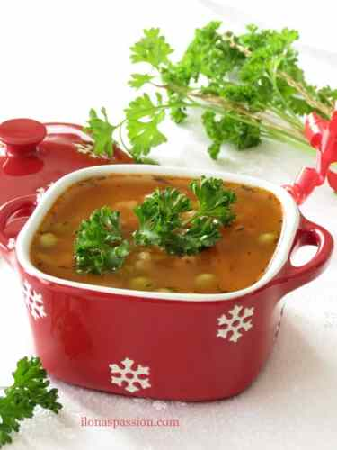 Hearty Beef Barley Soup with brown rice. Perfect for cold months! by ilonaspassion.com