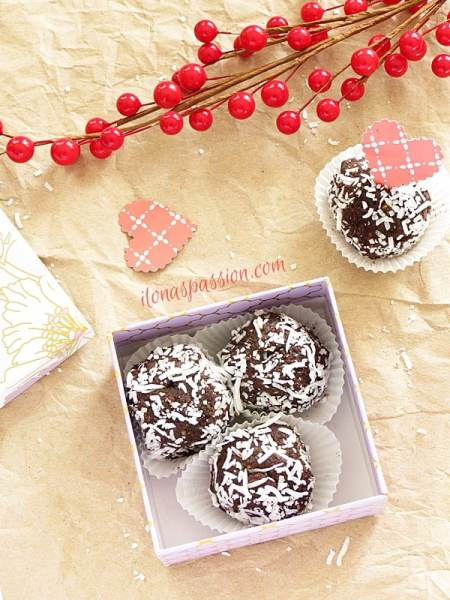 Chocolate Truffles Recipe + Gift Idea for Valentine's Day by ilonaspassion.com
