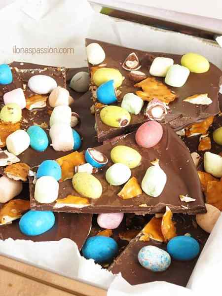 Spring Chocolate Bark by ilonaspassion.com #chocolate #bark #easter