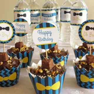 Blue Chevron Bow Tie Birthday Party - Blue chevron bow tie birthday party for boys. Printable party decorations chevron bow tie party theme with blue stripes and yellow bow tie for little man by ilonaspassion.com I @ilonaspassion