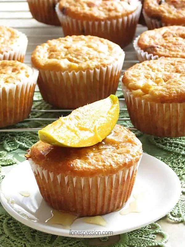 Banana Quinoa Mango Muffins by ilonaspassion.com #quinoa #mangomuffins #muffins #banana #mango