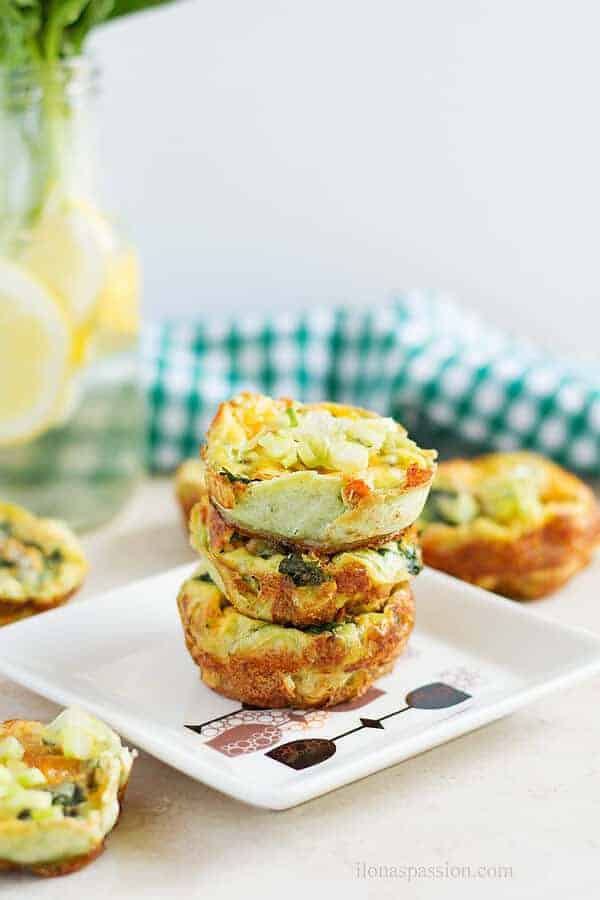 Egg muffins made with fresh spinach, tortilla and garlic seasoning by ilonaspassion.com I @ilonaspassion