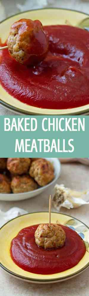Juicy chicken meatballs are baked in the oven in only 30 minutes. Seasoned with only salt and pepper this homemade meatballs are served with ketchup by ilonaspassion I @ilonaspassion