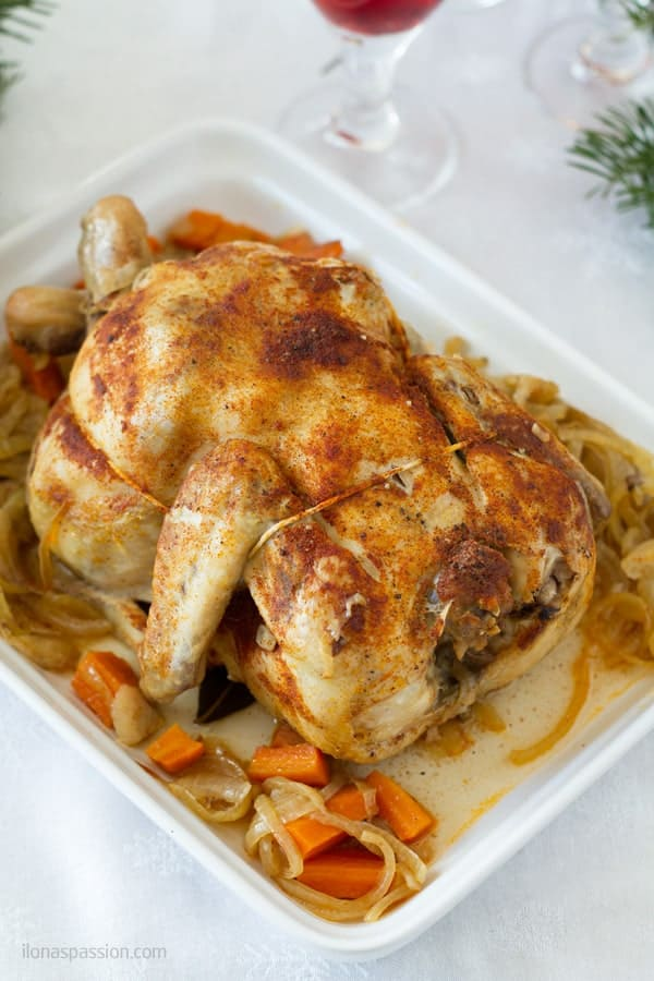 Slow cook whole chicken made on high for 4-5 hours by ilonaspassion.com I @ilonaspassion