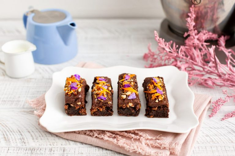 Almond Crunch Brownies, Shane Smith, Kenwood, I Love Cooking, Afternoon Tea