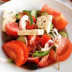 Detox salade, heerlijk makkelijk recept: griekse salade van Detoxcoach Nico van Rossum