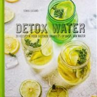 Detox Water - 30 recepten in dit nieuwe boek!. Recensie over het boek Detox water: 30 recepten voor gezonde drankjes op basis van water