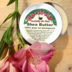 shea butter natuurlijke verzorging zonder chemische toevoegingen . Ideaal voor tijdens een detox kuur of gezonde leefstijl. Gezond alternatief voor gezichtscrème of bodylotion. Ideaal als vervanging van Niveau Vichy of Oil of Olaz