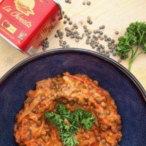 Detox recept: Linzen in tomaten kokosmelk saus met gerookte paprika. Verwarmende pittige detox maaltijd. Voor detox kuur en dieet.