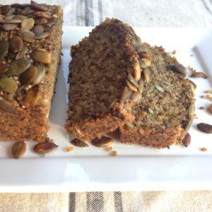 Recept voor glutenvrij detoxbrood met chia pompoenpitten en quinoa. Lekker zelf maken, wel zo gezond!