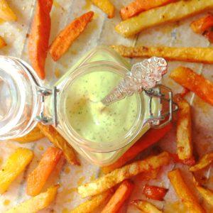 Detox snack: Groentefriet met dille mayonaise. Recept met Koolraap knolselderij wortel. Voedzaam lekker en passend iin een detox kuur thuis of dieet.