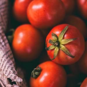Recept vegetarische tomatensoep met kikkererwten sinaasappelsap gember en tijm