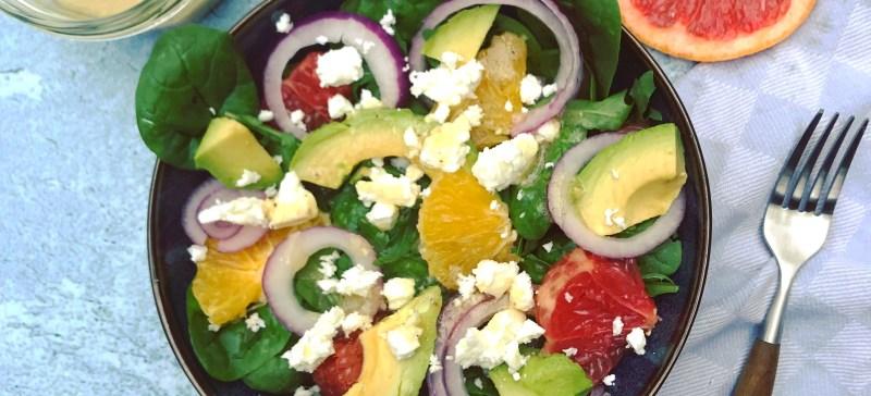 Zomer recept: Grapefruit, sinaasappel, avocado, feta salade met honing-mosterd dressing