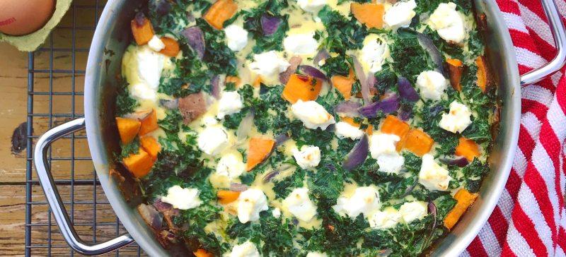 Makkelijk koolhydraatarm detox eigerecht: Frittata met zoete aardappel, spinazie en geitenkaas