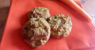 Muffin speziati senza glutine concarote, mela e cocco