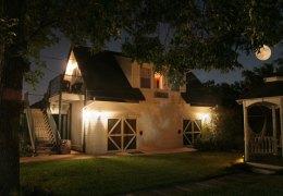 cottage_night_lg