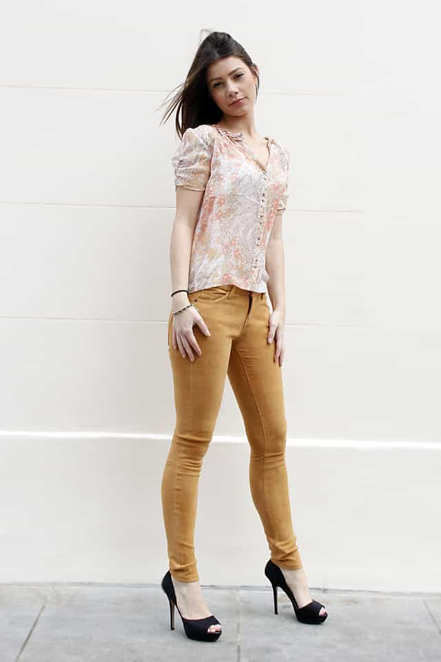 RACHEL WEARS CURRENT/ELLIOTT SUEDE SKINNY