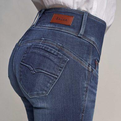 choosing shapewear under jeans
