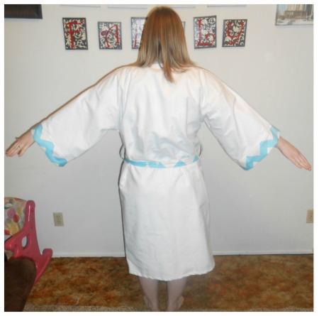 Mod-Mum-back of robe