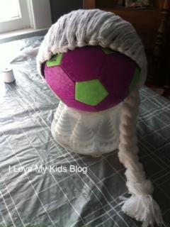 DIY Elsa Yarn Wig 5
