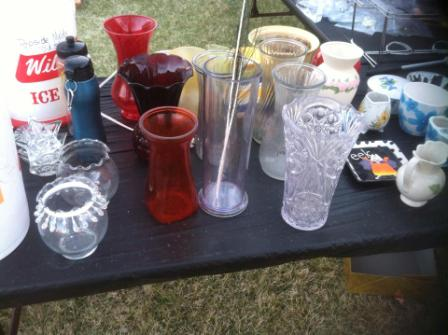 How to have the best yard sale ever group things together