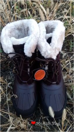 Lugz warm womens boots together