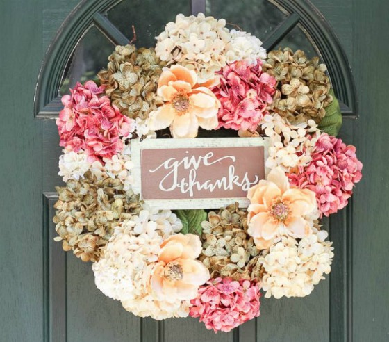 light-hydrangea-wreath