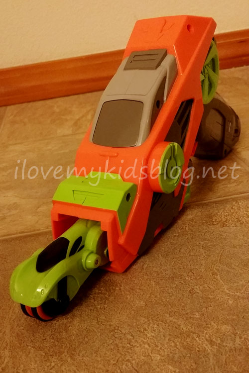 street-blaster-set-with-race-vehicle