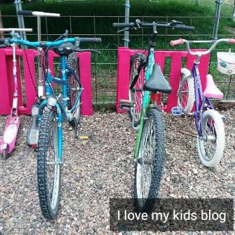 DIY pallet bike rack complete