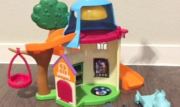 The Puppy Dog Pals Doghouse Playset and Why it Should be Under Your Tree This Christmas