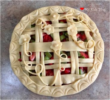 Beautiful pies lattice vine
