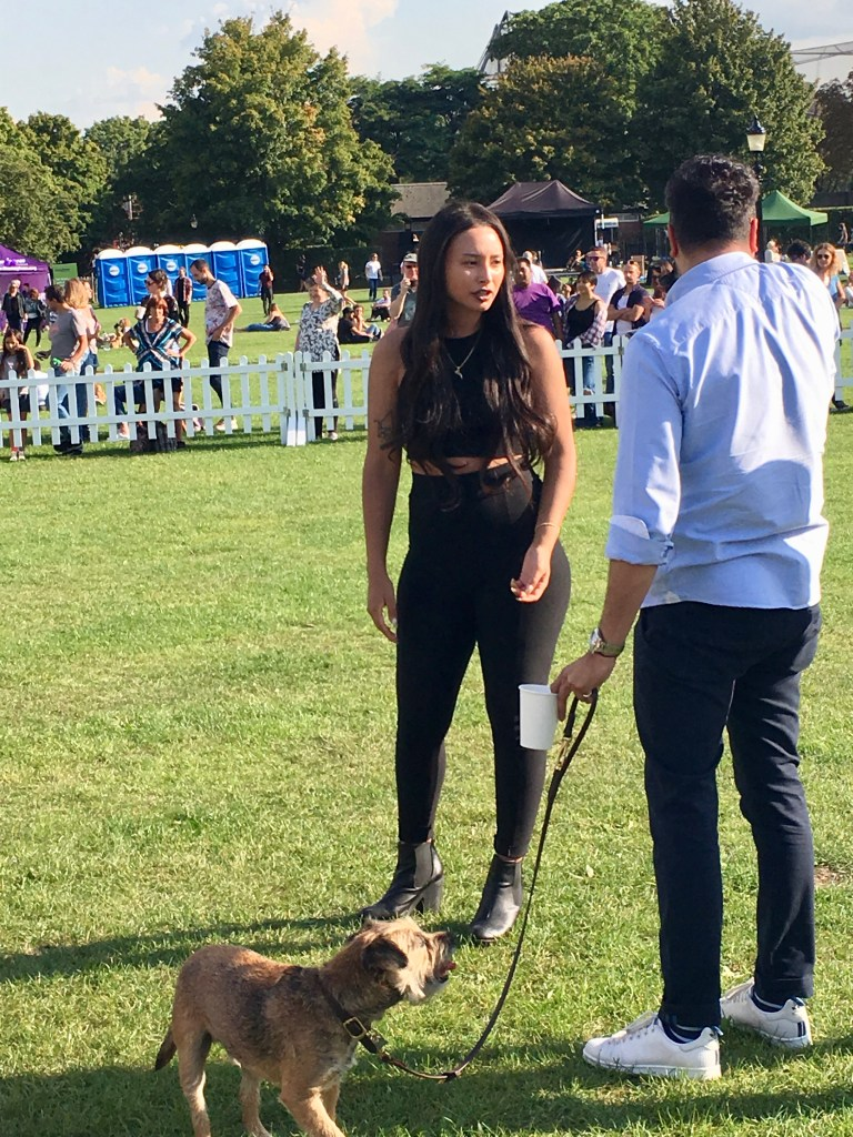 LEAH WELLER JUDGING MOST STYLISH POOCH