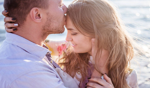 7 Simple Gestures That You Can Do to Make Your Partner Smile