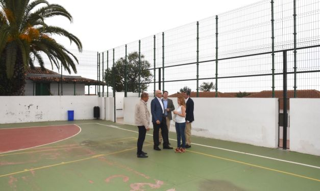 Educación inicia el procedimiento para licitar el techado de la cancha CEIP Mencey Bencomo
