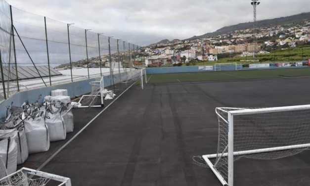 Comienza la SUSTITUCIÓN DEL CESPED en el Campo de Futbol Argelio Tabares