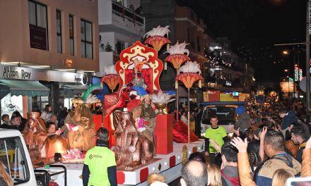 Santa Úrsula recibe a los REYES MAGOS con una gran cabalgata
