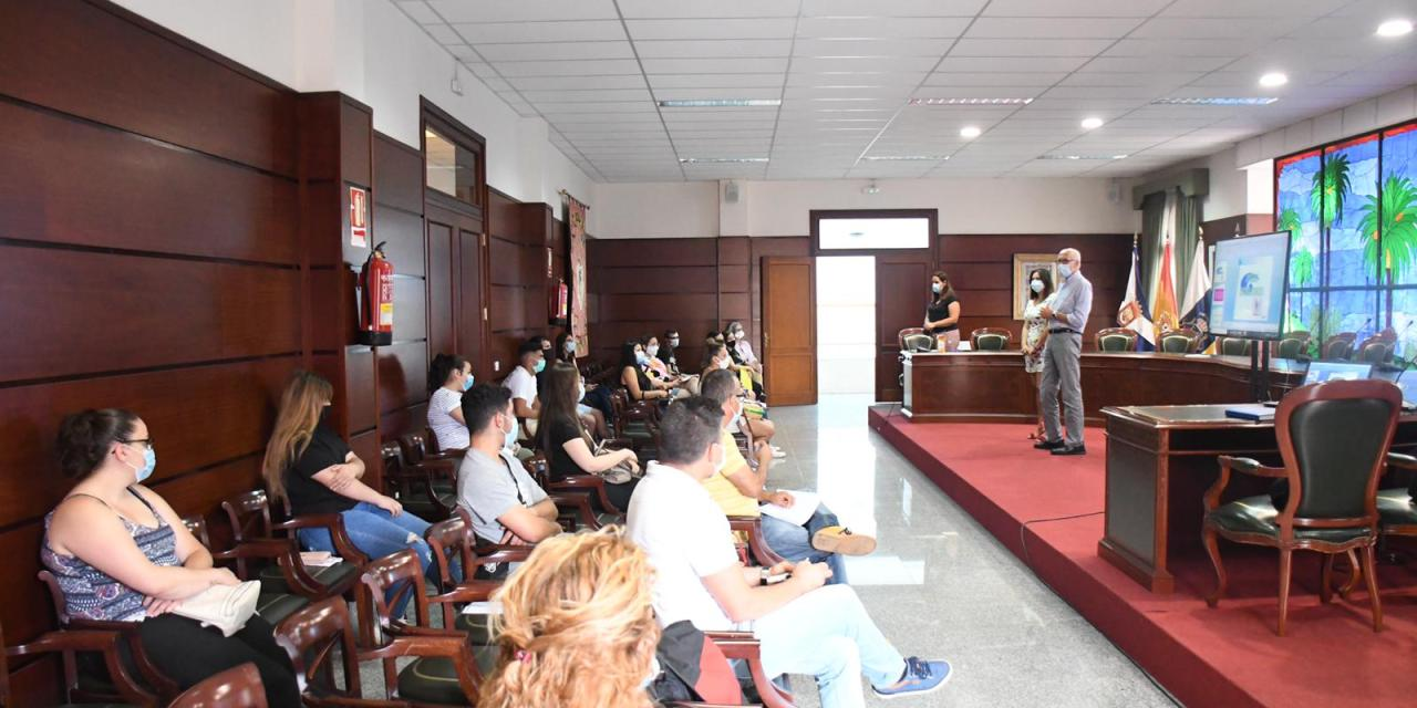 El Ayuntamiento de Santa Úrsula brinda formación y empleo en recursos de interés comunitario a 30 vecinos sin trabajo