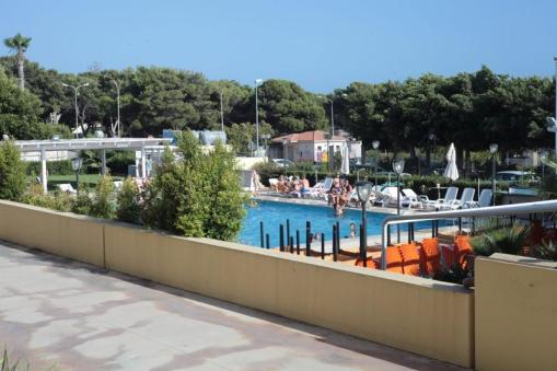 piscina residence holiday marina di ragusa