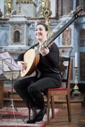 Evangelina Mascardi, Theorbo