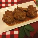 Involtini di bufala ai funghi porcini,salvia e parmigiano in salsa di pomodoro