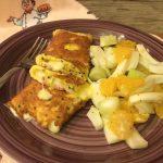 Omelette al formaggio e prosciutto cotto con insalata di arance e finocchi