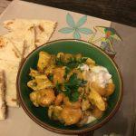 Curry di pollo e gamberi al latte di cocco.