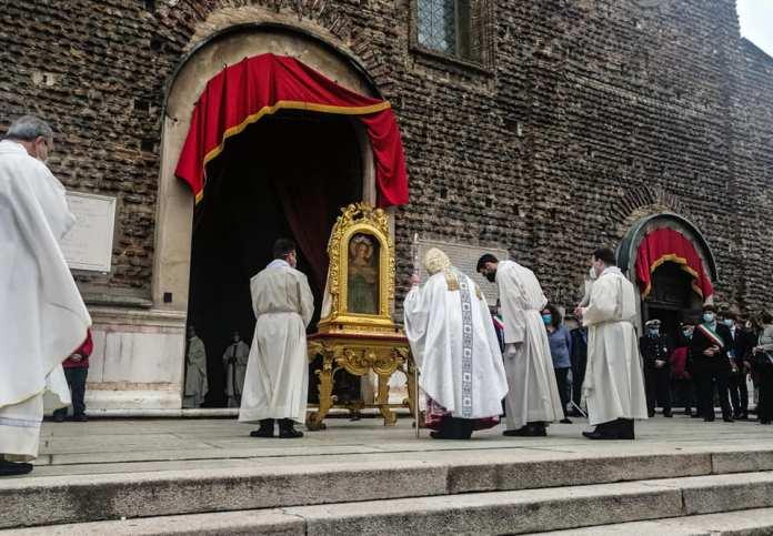 Messa pontificale Beata Vergine
