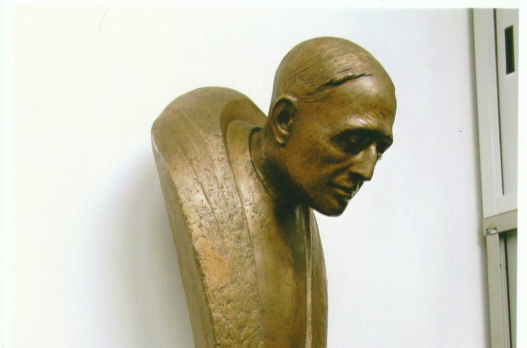 Stele in bronzo dello scultore Michele Gottarelli