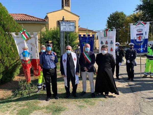 Alcuni scatti della celebrazione del 77esimo anniversario dell'eccidio di Ponte Felisio, a Solarolo. Nel corso della giornata è stata intitolata la strada a monsignor Antonio Gamberini